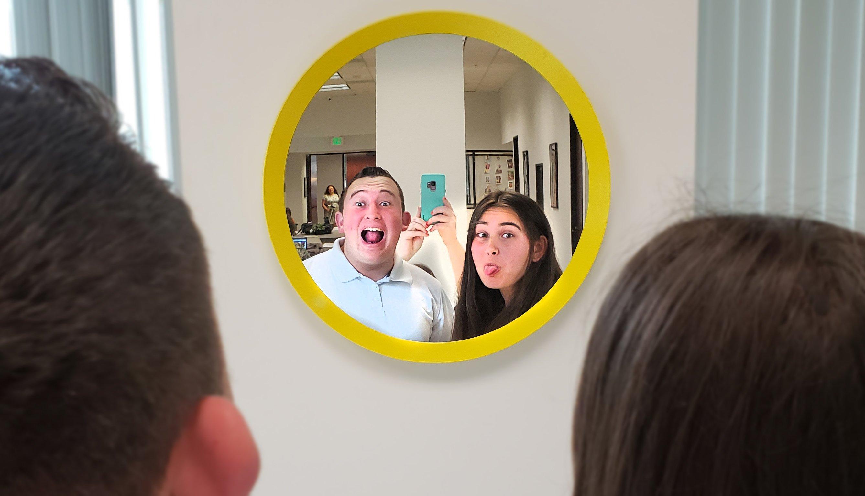 long-beach-mirror-students